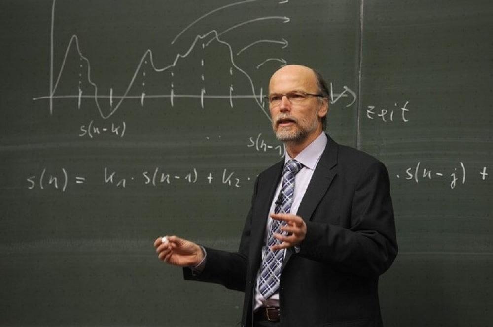 Զվարճալի պատմություն…Տրամաբանության քննության ժամանակ պրոֆեսորը հարցեր է տալիս ուսանողին
