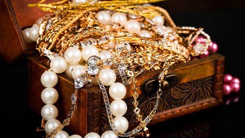 Ինչպես վարվել հանգուցյալի զարդերի հետ․ արդյոք կարելի է դրանք կրել